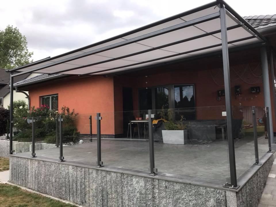 terrasse aus beton glas und metall kunkelmetall. Black Bedroom Furniture Sets. Home Design Ideas